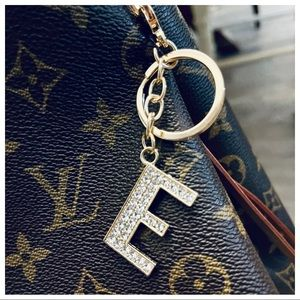 Alphabet faux diamonds keychain